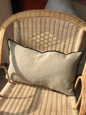 cushion-black-line-linen-ciment