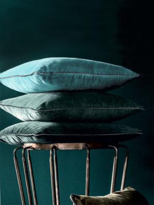 velvet-cushion-green