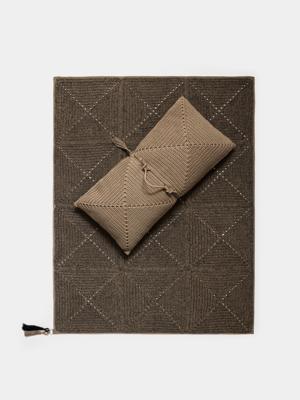 iota-small-rug-granite