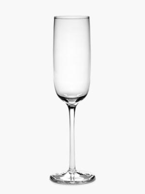 champagne-flute-strait