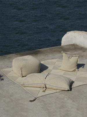 iota-medium-rug-sand