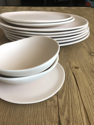 ceramic-plate-jardin-de-maguelone-blush
