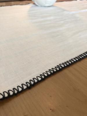 letia-linen-runner-white-detail