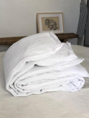 linen-comforter-white